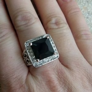 Jewelry - Square black and bling cocktail ring